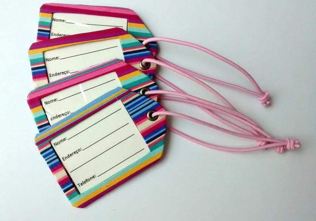 Itens essenciais para uma viagem internacional, tag para mala
