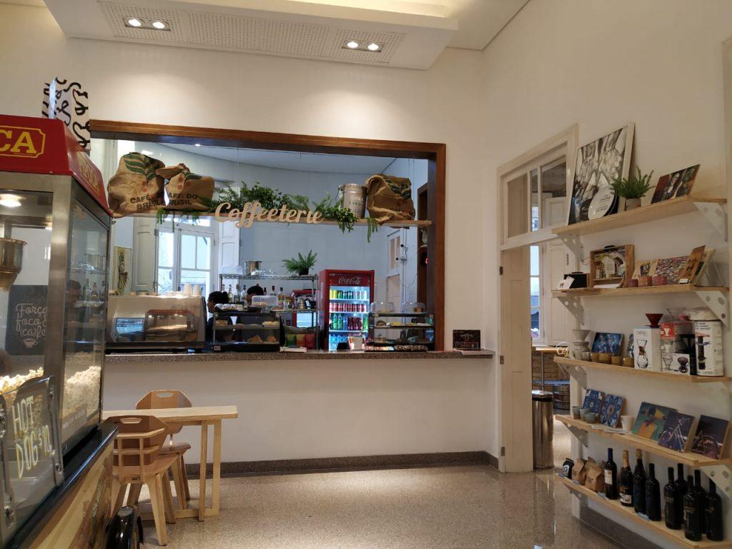 Um cafézinho no Cine Passeio, em Curitiba!