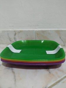 pratos plásticos
